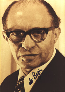 Autographs: PRIME MINISTER MENACHEM BEGIN (ISRAEL) - PHOTOGRAPH SIGNED