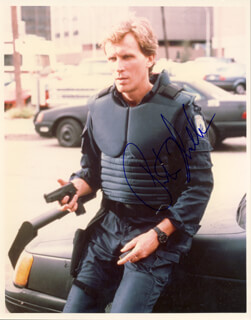 PETER WELLER - AUTOGRAPHED SIGNED PHOTOGRAPH