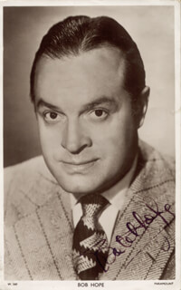 Autographs: BOB HOPE - PICTURE POST CARD SIGNED