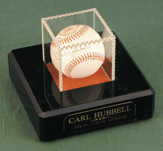 CARL HUBBELL - ILLUSTRATED BASEBALL SIGNED  - HFSID 101498