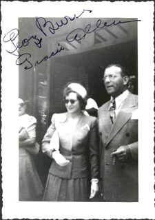 GEORGE BURNS - AUTOGRAPHED SIGNED PHOTOGRAPH CIRCA 1940 CO-SIGNED BY: GRACIE ALLEN
