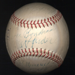 Autographs: THE CLEVELAND INDIANS - BASEBALL SIGNED 1948 CO-SIGNED BY: MUDDY (HEROLD DOMINIC) RUEL, JIM SHANTY HEGAN, EDDIE (WILLIAM EDWARD) ROBINSON, THURMAN JOE E. TUCKER, RAY DEACON MURRAY, JOE TIPTON, ALLIE CLARK, MEL CHIEF WIMPY HARDER, WALT JUDNICH, KEN KELTNER, HANK EDWARDS, STEVE GROMEK, BOB FELLER, LES MOE FLEMING, BOB MUNCRIEF, GENE ARKANSAS TRAVELER BEARDEN, DON BLACK, BILL LEFTY KENNEDY, LOU BOUDREAU, JOE FLASH GORDON, BOB KENNEDY