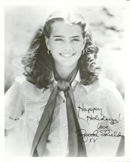 BROOKE SHIELDS - AUTOGRAPHED SIGNED PHOTOGRAPH