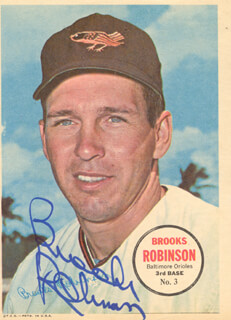 BROOKS ROBINSON - NEWSPAPER PHOTOGRAPH SIGNED
