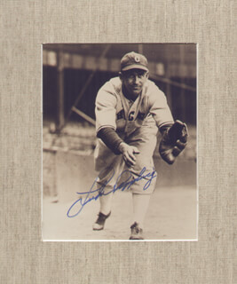 LUKE APPLING - AUTOGRAPHED SIGNED PHOTOGRAPH