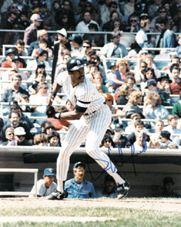 DAVE WINFIELD - AUTOGRAPHED SIGNED PHOTOGRAPH