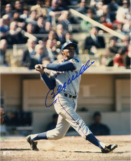 BILLY WILLIAMS - AUTOGRAPHED SIGNED PHOTOGRAPH