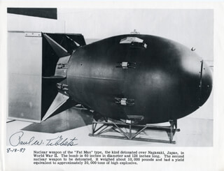 Autographs: ENOLA GAY CREW (PAUL W. TIBBETS) - PHOTOGRAPH SIGNED 08/18/1987