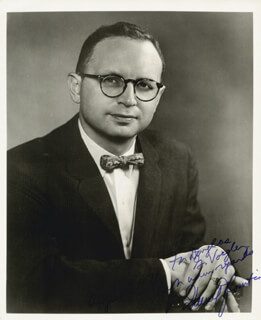 Autographs: DANIEL J. BOORSTIN - INSCRIBED PHOTOGRAPH SIGNED 08/03/1971