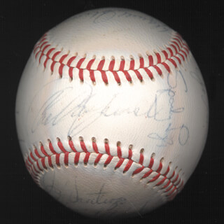 Autographs: BOSTON RED SOX - BASEBALL SIGNED CIRCA 1969 CO-SIGNED BY: DICK DUCKY SCHOFIELD SR., LEE (ALBERT) STANGE, JOSE SANTIAGO, REGGIE SMITH, TONY CONIGLIARO, DON LOCK, EDDIE POP POPOWSKI, RUSS GIBSON, JOE LAHOUD, SPARKY LYLE, RICO PETROCELLI, BOBBY DOERR, RON KLINE, CARL YAZ YASTRZEMSKI, VICENTE ROMO, DARRELL JOHNSON, DALTON JONES, BILL SPACEMAN LEE, JERRY MOSES