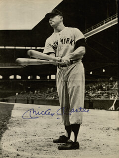 MICKEY MANTLE - MAGAZINE PHOTOGRAPH SIGNED