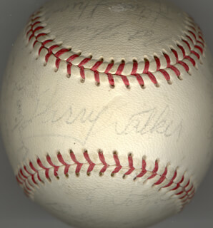 Autographs: THE HOUSTON ASTROS - BASEBALL SIGNED CIRCA 1968 CO-SIGNED BY: JOE TORRE, JOHN BUZHARDT, DOUG ROJO, ROOSTER RADER, JOE LITTLE JOE MORGAN, PAT HOUSE, STEVE SHEA, NORM MILLER, LARRY WALKER, DON EDWARD WILSON, JOHN ALVIN BATEMAN, JULIO GOTAY, TOM DUKES, BRUCE VON HOFF, DAVE ADLESH, LEE (JAMES L.) THOMAS, JIM STING RAY, SONNY JACKSON, RUSTY STAUB, DAVE GIUSTI, BOB BULL WATSON, BOB ASPROMONTE, JIMMY WYNN
