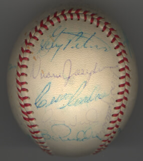 THE CHICAGO WHITE SOX - AUTOGRAPHED SIGNED BASEBALL CIRCA 1969 CO-SIGNED BY: TOMMY JOHN, BOB LOCKER, JERRY McNERTNEY, JACK FAT JACK FISHER, GARY PETERS, JOE HORLEN, RAY (RAYMOND) BERRES, RON DAVIS, LUIS APARICIO, TIM CULLEN, BOB PRIDDY, WALT NO-NECK WILLIAMS, GAIL HOPKINS, CISCO CARLOS, DUANE JOSIE JOSEPHSON, DICK KENWORTHY, LEE LOPEZ, HOYT (JAMES) WILHELM, DON McMAHON, PETE WARD, WILBUR WOOD, KEN BERRY, WAYNE CAUSEY, AL LOPEZ