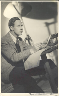 LESLIE HOWARD - PICTURE POST CARD SIGNED