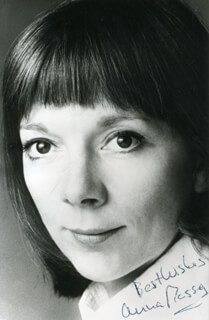 ANNA MASSEY - AUTOGRAPHED SIGNED PHOTOGRAPH