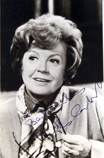 PHYLLIS CALVERT - AUTOGRAPHED SIGNED PHOTOGRAPH