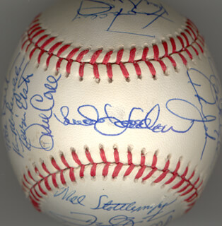 THE NEW YORK METS - AUTOGRAPHED SIGNED BASEBALL CIRCA 1990 CO-SIGNED BY: DARRYL STRAWBERRY, DWIGHT DOC GOODEN, KEITH MILLER, JOHN FRANCO, MEL STOTTLEMYRE, HOWARD HOJO JOHNSON, RICK AGGIE AGUILERA, DOUG SISK, SID EL SID FERNANDEZ, GREGG JEFFERIES, BOB OJEDA, DAVE CONE, KEVIN ELSTER, FRANK SWEET MUSIC VIOLA, KEVIN BIG MAC McREYNOLDS, TIM TUFF TEUFEL, JEFF MUSSELMAN, MARK STEVEN CARREON, ALEJANDRO PENA, JEFF INNIS, BUD HARRELSON, CHUCK HILLER