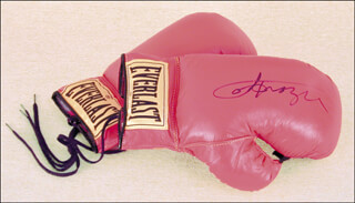 JOE SMOKIN JOE FRAZIER - BOXING GLOVES SIGNED
