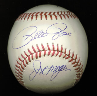 Autographs: CINCINNATI REDS - BASEBALL SIGNED CO-SIGNED BY: GEORGE FOSTER, DAVE CONCEPCION, JOE LITTLE JOE MORGAN, TONY PEREZ, PETE ROSE