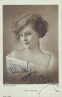 LILIAN HARVEY - PICTURE POST CARD SIGNED