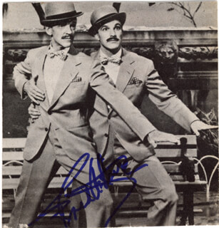 FRED ASTAIRE - AUTOGRAPHED SIGNED PHOTOGRAPH