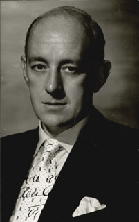 SIR ALEC GUINNESS - AUTOGRAPHED SIGNED PHOTOGRAPH 1958