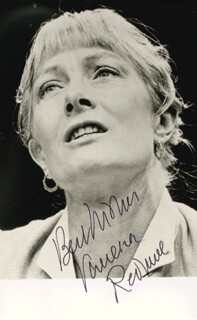 VANESSA REDGRAVE - AUTOGRAPHED SIGNED PHOTOGRAPH