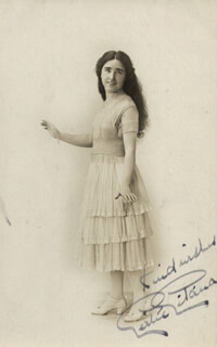 Autographs: GERTIE (GERTRUDE ASTBURY) GITANA - PICTURE POST CARD SIGNED