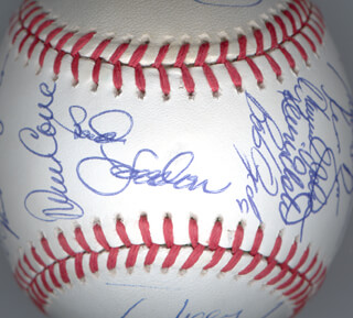 Autographs: THE NEW YORK METS - BASEBALL SIGNED CIRCA 1990 CO-SIGNED BY: DARRYL STRAWBERRY, DWIGHT DOC GOODEN, KEITH MILLER, RON DARLING, DAVE MAGADAN, JOHN FRANCO, MEL STOTTLEMYRE, HOWARD HOJO JOHNSON, TOM O'MALLEY, GREGG JEFFERIES, BOB OJEDA, DAVE CONE, KEVIN ELSTER, FRANK SWEET MUSIC VIOLA, KEVIN BIG MAC McREYNOLDS, TIM TUFF TEUFEL, WALLY WHITEHURST, ALEJANDRO PENA, MACKEY HACKER SASSER, BUD HARRELSON, MIKE CUBBIE CUBBAGE, CHUCK HILLER, TODD HUNDLEY, DARYL BOSTON, ORLANDO MERCADO, MARK CARREON