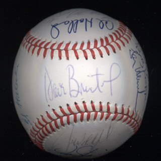 THE SAN FRANCISCO GIANTS - AUTOGRAPHED SIGNED BASEBALL CO-SIGNED BY: ED (EDDIE LEE) WHITSON, VIDA BLUE, MILT MAY, WILLIE STRETCH McCOVEY, MIKE POISON IVIE IVIE, DAVE BRISTOL, AL HOLLAND, GREG MOON MAN MINTON, ED HALICKI, BOB KNEPPER, JOE STRAIN, JIM WOHLFORD, DON McMAHON, DARRELL EVANS, MIKE SADEK, MARC HILL, LARRY HERNDON, BILLY NORTH