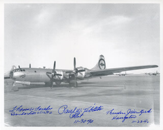 Autographs: ENOLA GAY CREW - PHOTOGRAPH SIGNED CIRCA 1990 CO-SIGNED BY: ENOLA GAY CREW (THEODORE VAN KIRK), ENOLA GAY CREW (PAUL W. TIBBETS), ENOLA GAY CREW (COLONEL THOMAS W. FEREBEE)