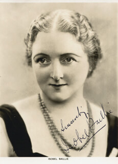 Autographs: ISOBEL BAILLIE - PHOTOGRAPH SIGNED