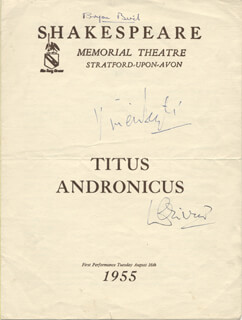TITUS ANDRONICUS PLAY CAST - PROGRAM SIGNED CIRCA 1955 CO-SIGNED BY: VIVIEN LEIGH, LAURENCE OLIVIER