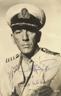 SIR NOEL COWARD - AUTOGRAPHED SIGNED PHOTOGRAPH 1943  - HFSID 153575