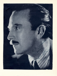 Autographs: CLAUDIO ARRAU - INSCRIBED MAGAZINE PHOTO SIGNED 1949