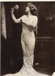 EDITH HELENA - AUTOGRAPH NOTE ON PHOTOGRAPH SIGNED 1911