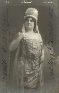 MARY BERAL - AUTOGRAPHED SIGNED PHOTOGRAPH CIRCA 1913