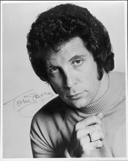 TOM JONES - AUTOGRAPHED SIGNED PHOTOGRAPH