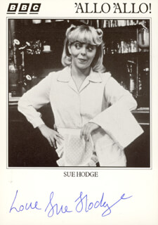 SUE HODGE - AUTOGRAPHED SIGNED PHOTOGRAPH