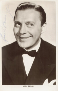 JACK BENNY - PICTURE POST CARD SIGNED