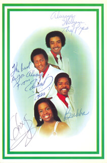 GLADYS KNIGHT & THE PIPS - PICTURE POST CARD SIGNED CO-SIGNED BY: GLADYS KNIGHT, GLADYS KNIGHT & THE PIPS (BUBBA KNIGHT), GLADYS KNIGHT & THE PIPS (WILLIAM GUEST), GLADYS KNIGHT & THE PIPS (EDWARD PATTEN)