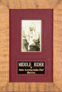 Autographs: CHIEF MIDDLE RIDER - PHOTOGRAPH SIGNED
