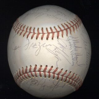 Autographs: THE NEW YORK METS - BASEBALL SIGNED CIRCA 1976 CO-SIGNED BY: JOE TORRE, EDDIE THE WALKING MAN YOST, MIKE VAIL, JOHN THE HAMMER MILNER, ROY STAIGER, LEON BROWNIE BROWN, JOE COBRA JOE FRAZIER, BRUCE ARMAND BOISCLAIR, KEN SANDERS, BOB MYRICK, MIKE PHILLIPS, JAY KLEVEN, JERRY KOOSE KOOSMAN, FELIX THE CAT MILLAN, JOE PIGNATANO, JACK HEIDEMANN, RON HODGES, DAVE KINGMAN, ED KRANEPOOL, WAYNE GARRETT, BUD HARRELSON, MICKEY LOLICH, JON MATLACK, DEL UNSER, BOB APODACA, SKIP LOCKWOOD, TOM TOM TERRIFIC SEAVER