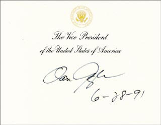 Autographs: VICE PRESIDENT DAN (JAMES DANFORTH) QUAYLE - VICE PRESIDENTIAL CARD SIGNED 06/28/1991