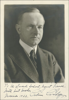 PRESIDENT CALVIN COOLIDGE - AUTOGRAPHED INSCRIBED PHOTOGRAPH 11/1922