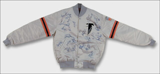Autographs: THE ATLANTA FALCONS - JACKET SIGNED CIRCA 1991 CO-SIGNED BY: SCOTT CASE, JOHN RADE, REGGIE REDDING, BILL FRALIC, MICHAEL HAYNES, TORY EPPS, BOBBY BUTLER, AUNDRAY BRUCE, CHRIS MILLER, ERIC PEGRAM, ELBERT SHELLEY, BRETT FAVRE, MIKE PRITCHARD, ANDRE RISON, TRACY JOHNSON, GUY BINGHAM, JERRY GLANVILLE, MIKE RUETHER, SCOTT FULHAGE, JESSIE TUGGLE, MIKE KENN, SHAWN COLLINS, MOE GARDNER, DEION SANDERS, ROBERT LYLES, PAT CHAFFEY, CHRIS HINTON, OLIVER BARNETT, JOE FISHBACK, TIM GREEN, FLOYD DIXON