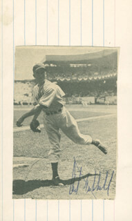 CARL HUBBELL - MAGAZINE PHOTOGRAPH SIGNED  - HFSID 158781