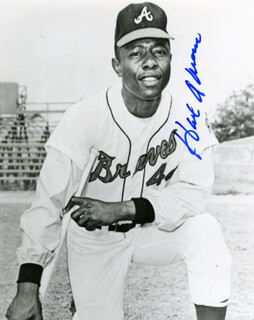 Autographs: HANK AARON - PHOTOGRAPH SIGNED