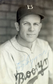 RAY HAYWORTH - AUTOGRAPHED SIGNED PHOTOGRAPH