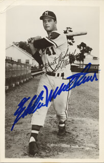 EDDIE MATHEWS - PICTURE POST CARD SIGNED CIRCA 1954